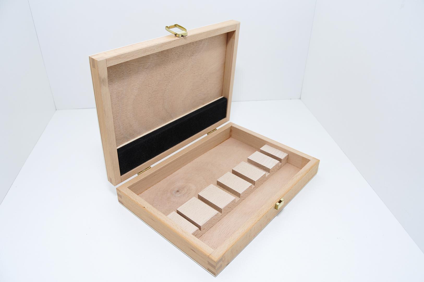 8200136 dos cerezas caja de madera para 6 pz gubias - Gubias para madera ...