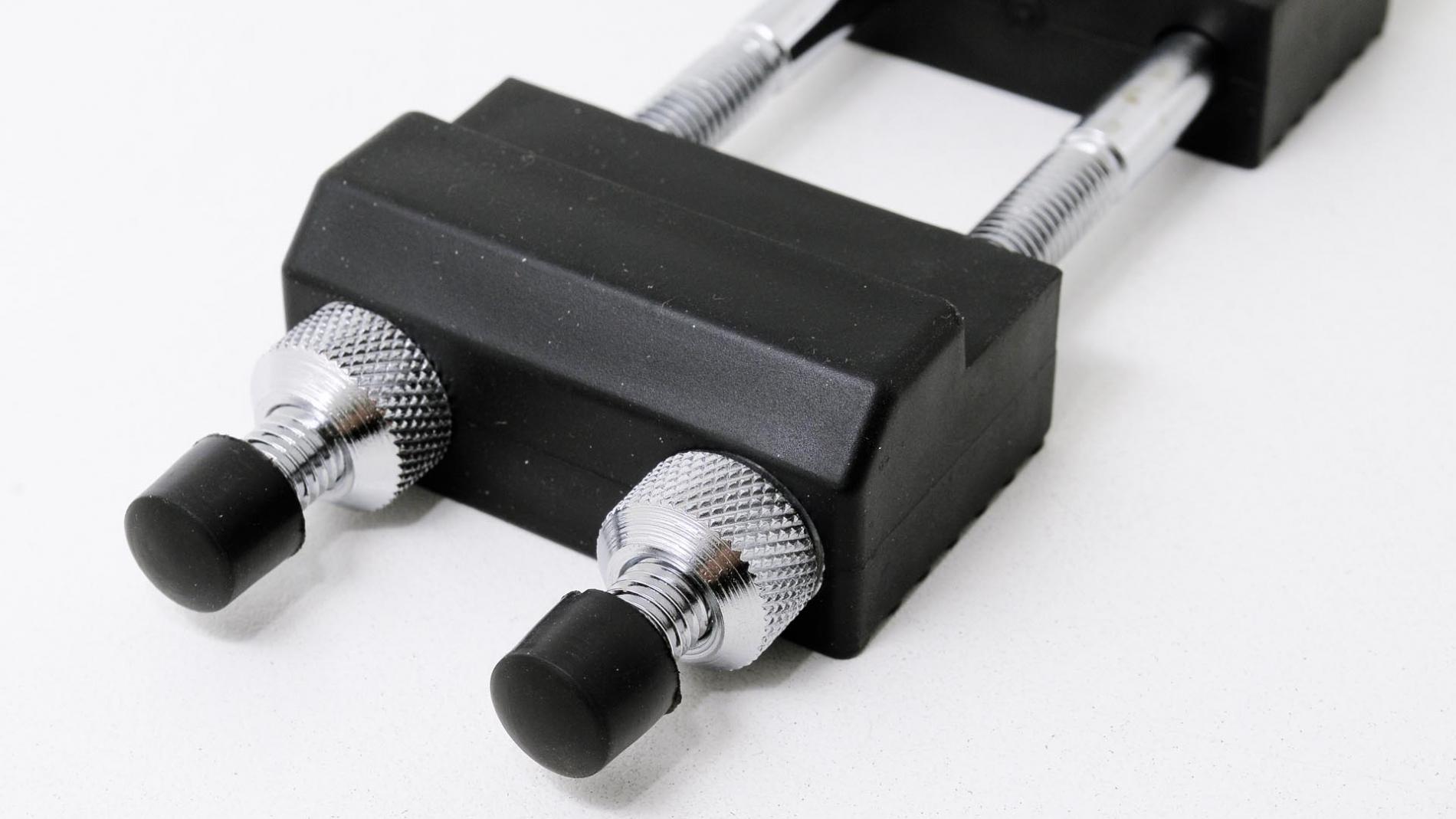 GUB0023-Base con 3 soportes para piedras de afilar con tuercas GUB0023-max-3.
